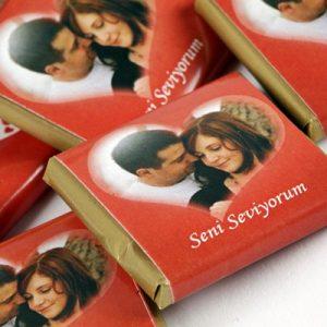 Kalp Kutuda Çikolata Fotoğraflı